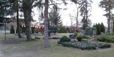 Dorfkirche & Kirchhof (Friedhof) Hohenbruch in Kremmen