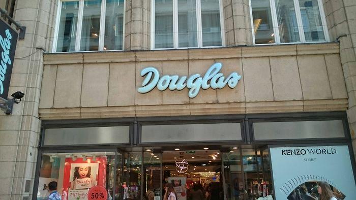 Parfümerie Douglas Deutschland GmbH in Hamburg ⇒ in Das Örtliche 448fa6a98be
