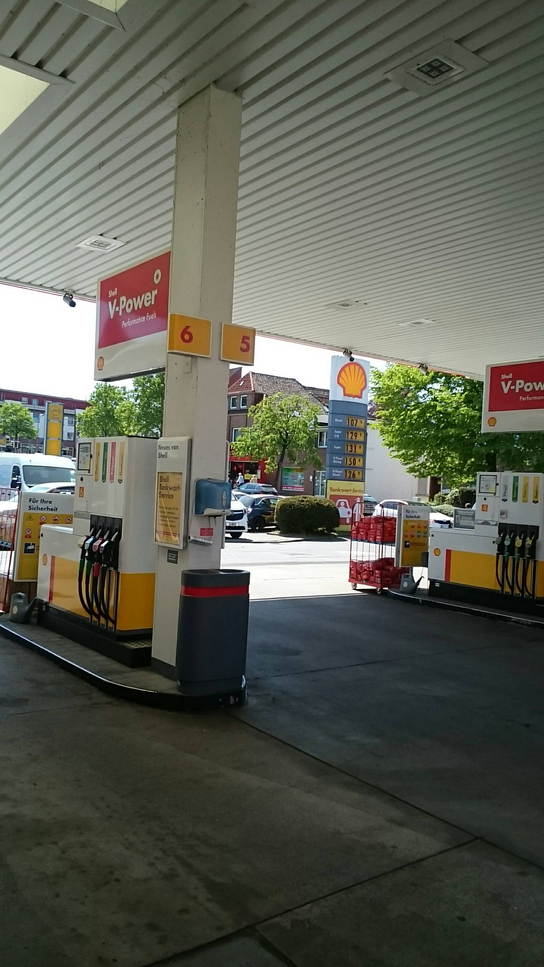 Shell Station 1308 in