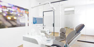 Dr. Ole Schmitt - Zahnarzt und Fachzahnarzt für Oralchirurgie in Hochheim am Main