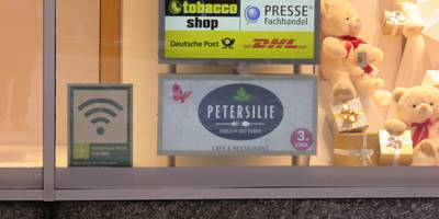 Tobacco Bayin im Galeria Kaufhof / DHL Paketshop in Dortmund
