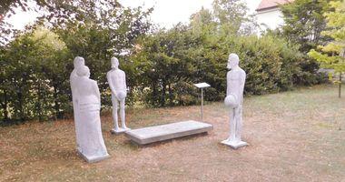 Bronze-Skulptur »Röckener Bacchanal« in Röcken in Lützen NL Röcken