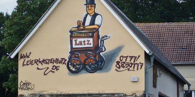 Lutz Pape - Leierkastenspieler (Leierkasten-Lutz) in Falkenthal Gemeinde Löwenberger Land