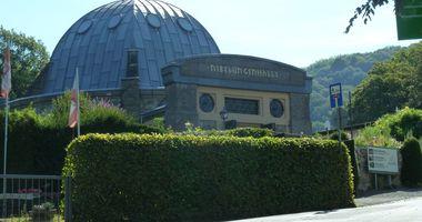 Nibelungenhalle, Drachenhöhle, Reptilienzoo in Königswinter