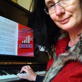 Viola Kramer - Klavierunterricht in Aachen