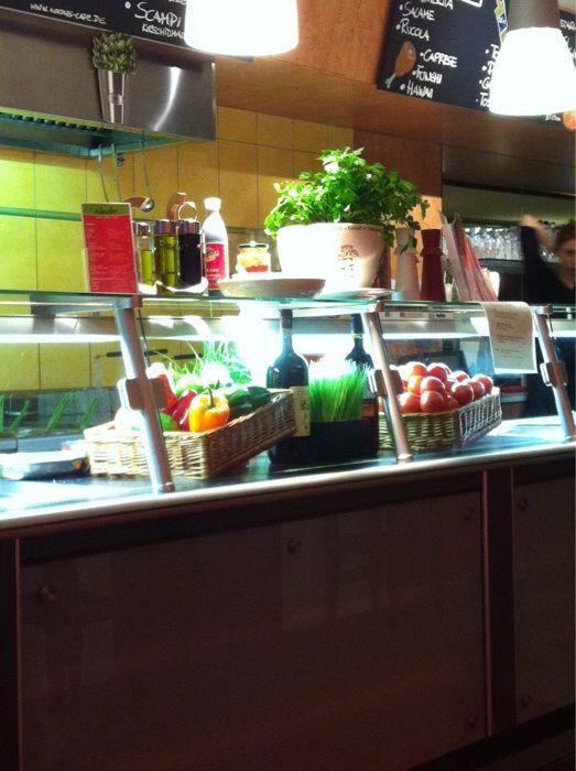 bilder und fotos zu noodles restaurant in potsdam brandenburger str. Black Bedroom Furniture Sets. Home Design Ideas