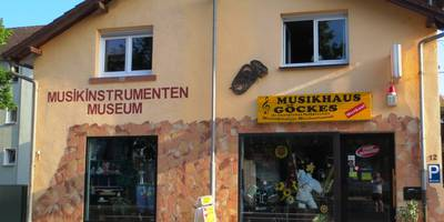 Musikhaus Göckes, Instrumentenbau u. Reparatur in Neu-Isenburg