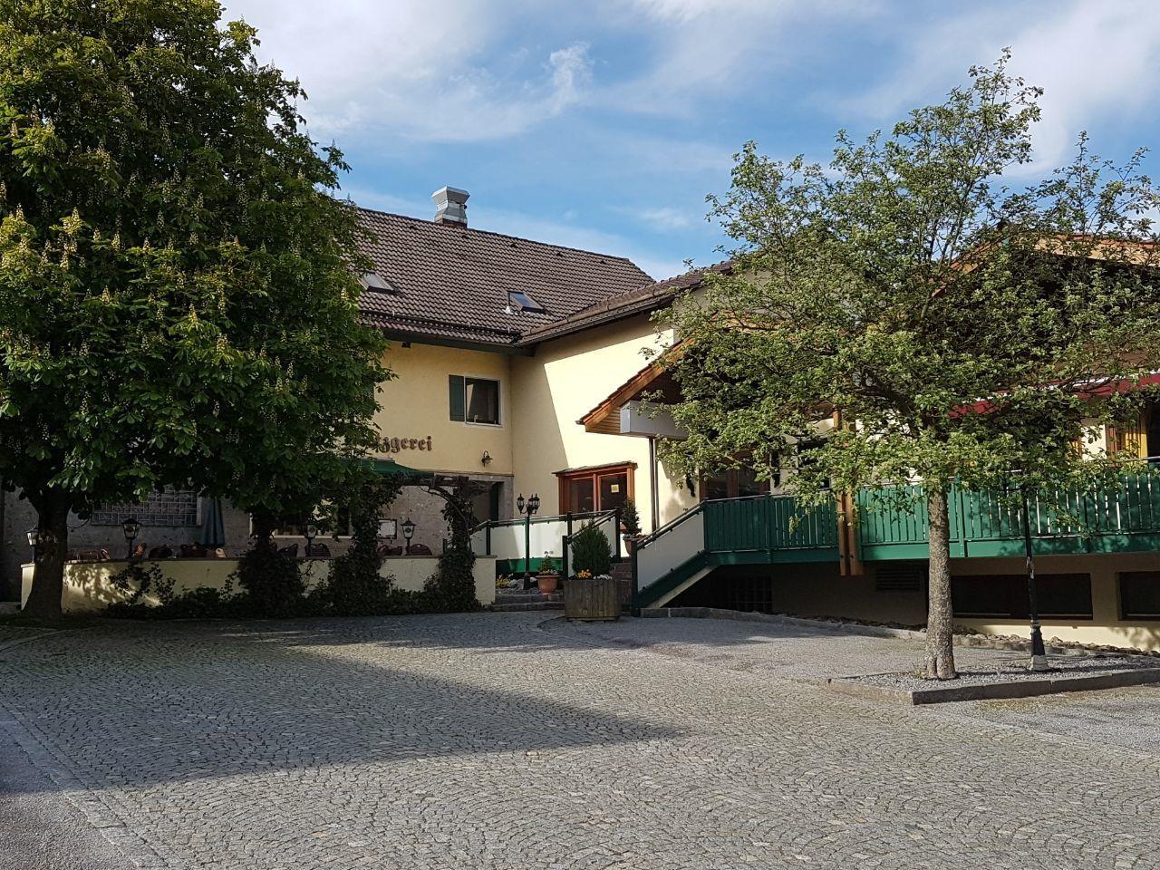 Gasthof Greindl 1 Bewertung Bogen In Niederbayern Degernbach Degernbach Golocal
